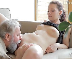 Glamour girl doggy style anal