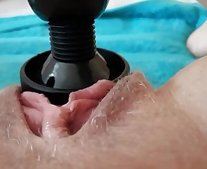 Squirting pulsing beaver