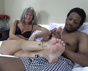 Leilani Lee & Ronnie Hendrixxx Footjob
