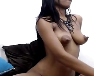 Ebony Teen has Nice Nipples - Dirtyyycams.com